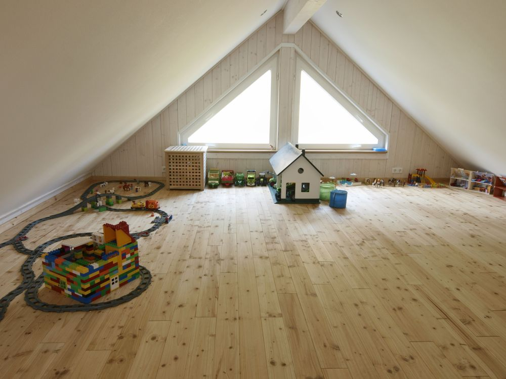 Holzdielen aus Nobilis-Holz im Kinderzimmer