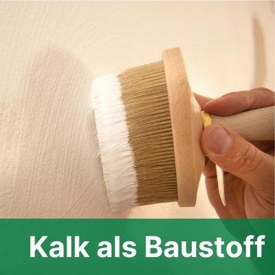Kalkfarbe mit Bürste streichen